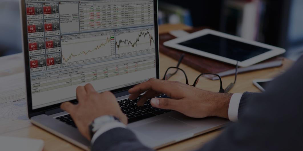 laptop_home_office_adv_trader_header.jpg
